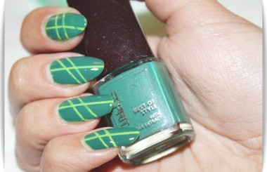 Nailart Green with Tape
